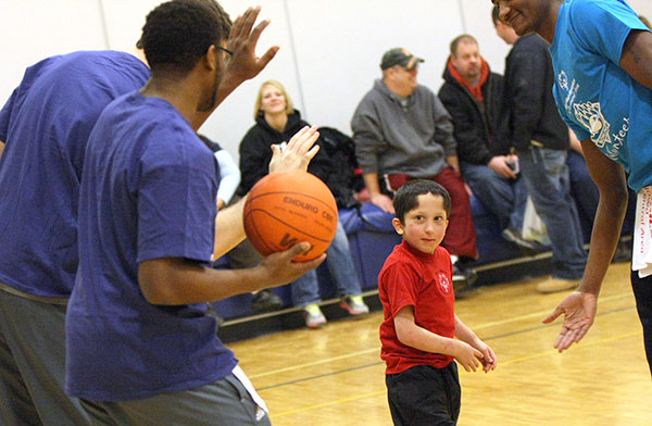 Iowa Central Men S Basketball Volunteers With Special