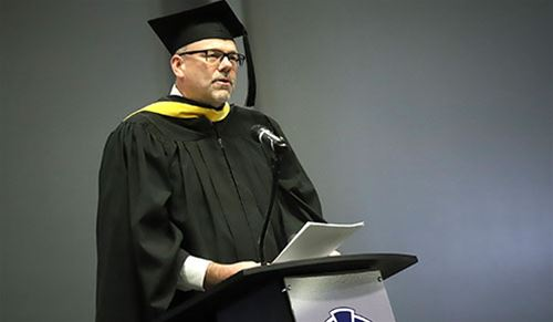Roetman challenges Iowa Central grads to 'make an impact'